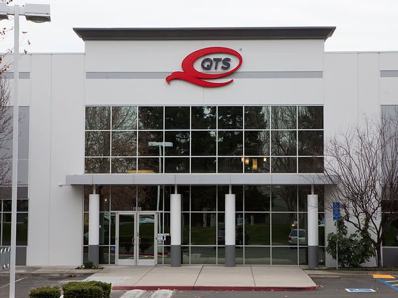 QTS Achieves Higher Energy Efficiency With Upgrades to Vertiv Cooling Systems and Monitoring  Image